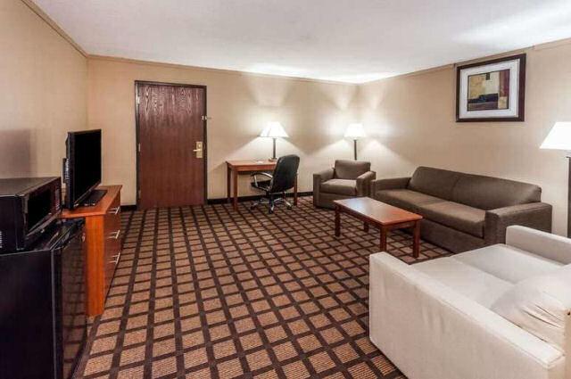 Pet Friendly Hotels Near New Buffalo Michigan